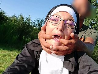 I propose to this nun to betray her principles in public!!