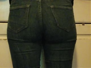 Sexy Latina Ass in Tight Jeans Candid at Home Pussy Gap